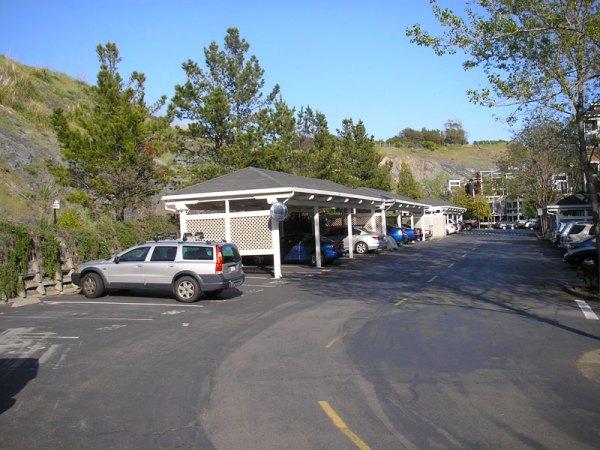 2009 - carparking on Old Quarry Road N